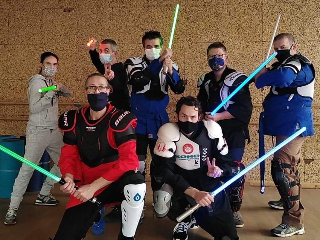 Photo de groupe pour le stage animateurs sabre laser